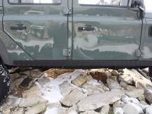 Land Rover Defender krycí plech prahu